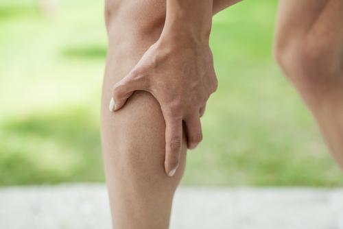 bolesti svalov v lýtku