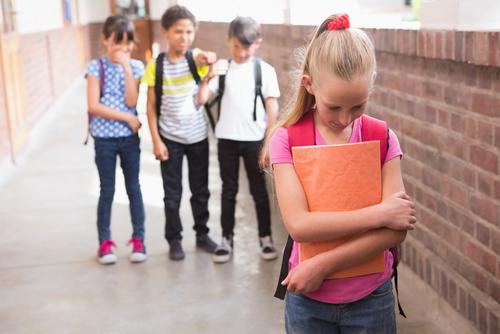 elektívny mutizmus dievča šikana v škole
