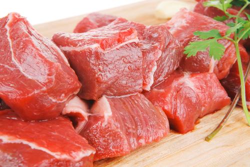 nadbytok železa z červeného mäsa