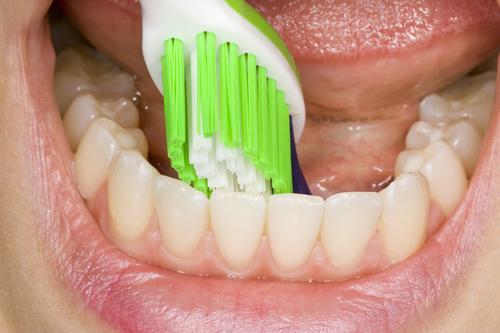 spravna-zubna-kefka