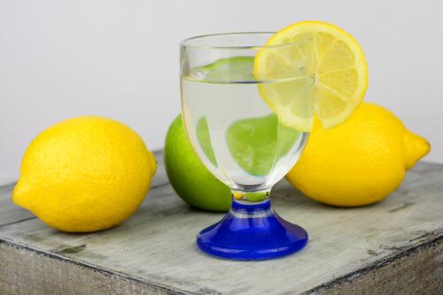 palenie-zahy-citronova-voda