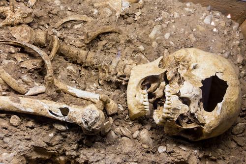 archeológ peter demján ľudská kostra