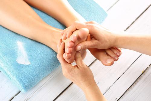liečba plochej nohy masáž