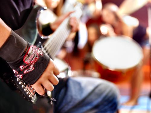 tinitus-rocková-hudba