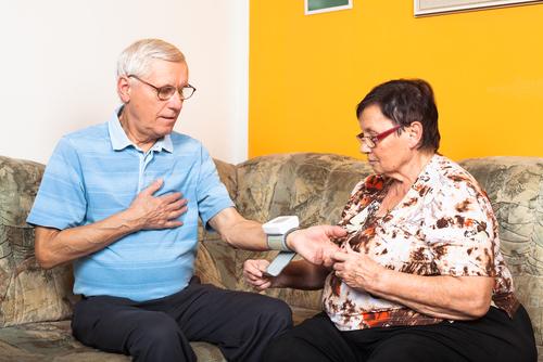 srdce vysoký tlak tlakomer