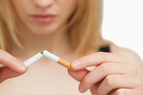 padanie vlasov a fajčenie