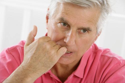obhrýzanie nechtov u dospelých