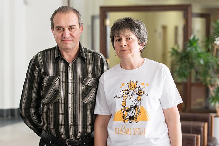 Život s Parkinsonom Katarína Félixová s asistentom
