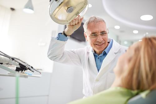 bielenie zubov žlté zuby príčiny