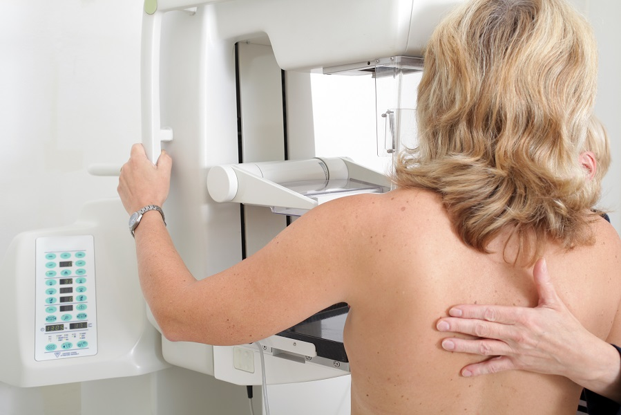 mamografia-ako-prebieha