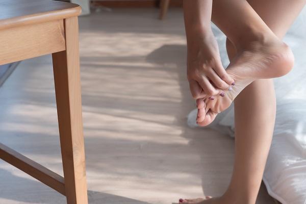 zlomený-palec-na-nohe