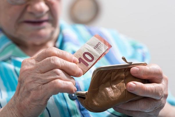 ekonomické-týranie-seniorov