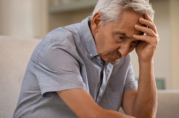 týranie-a-zneužívanie-seniorov