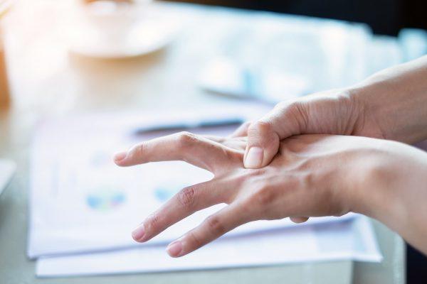 bolesti klbov na prstoch ruk