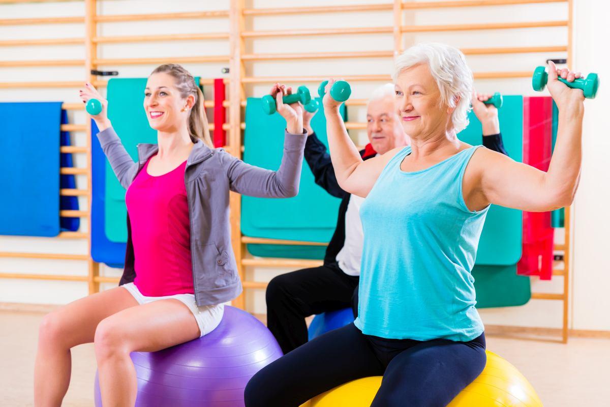 skupinové cvičenie so seniormi