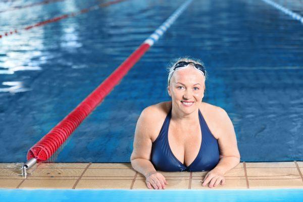 chudnutie-s-nadváhou-plávanie