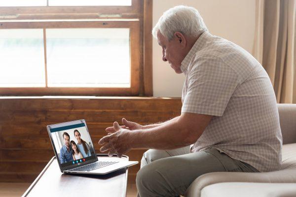 Videohovor s rodinou