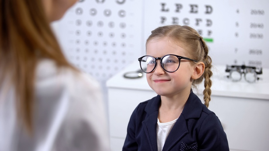 Okuliare pre škúliace dieťa