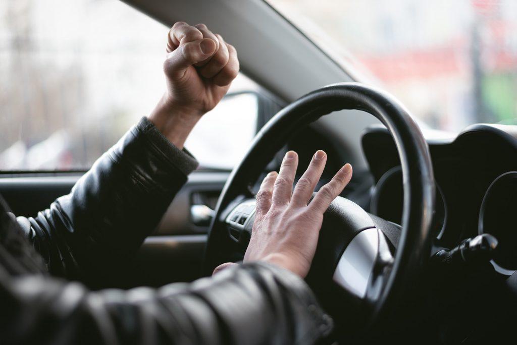 Agresívne správanie pri šoférovaní