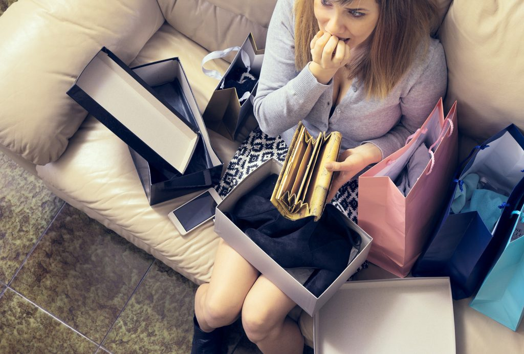 Žena prehnane nakupuje